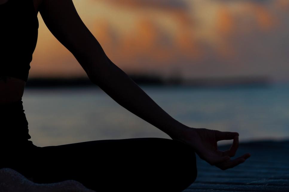 Lauren, the Beach Yogi